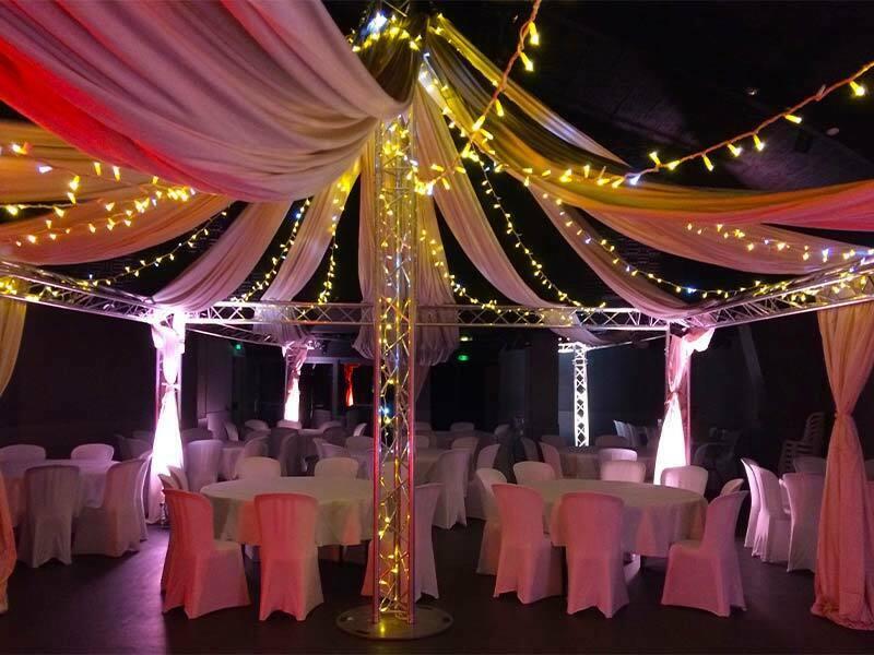 Location de décorations pour salles de mariage en Aveyron avec Audio Vision évènementiel